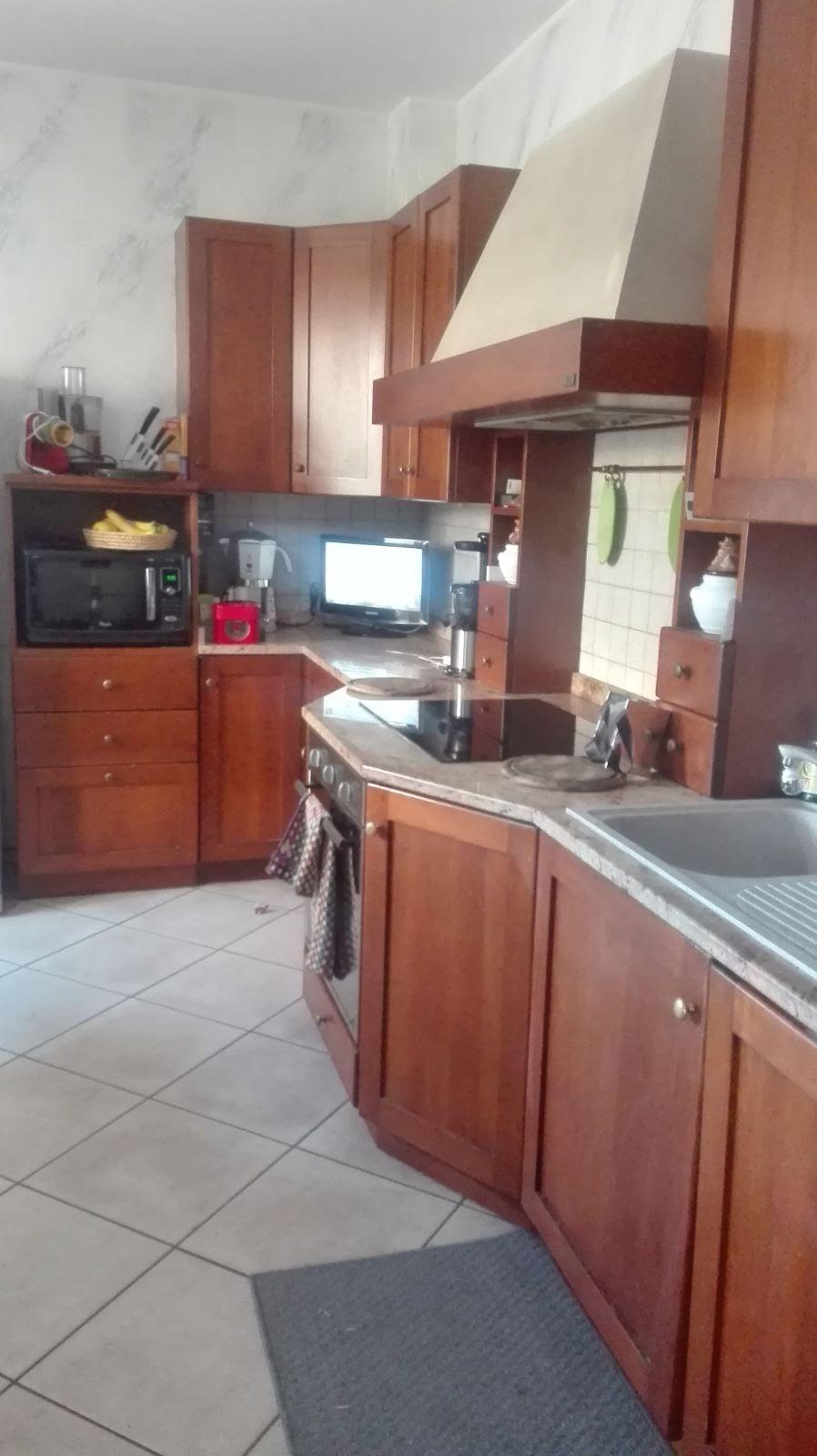 Good questa era la cucina prima del restyling una cucina - Come rinnovare la cucina ...