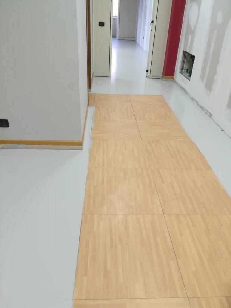 Pavimenti inguardabili e come trasformarli la coloratrice - Verniciare piastrelle pavimento ...