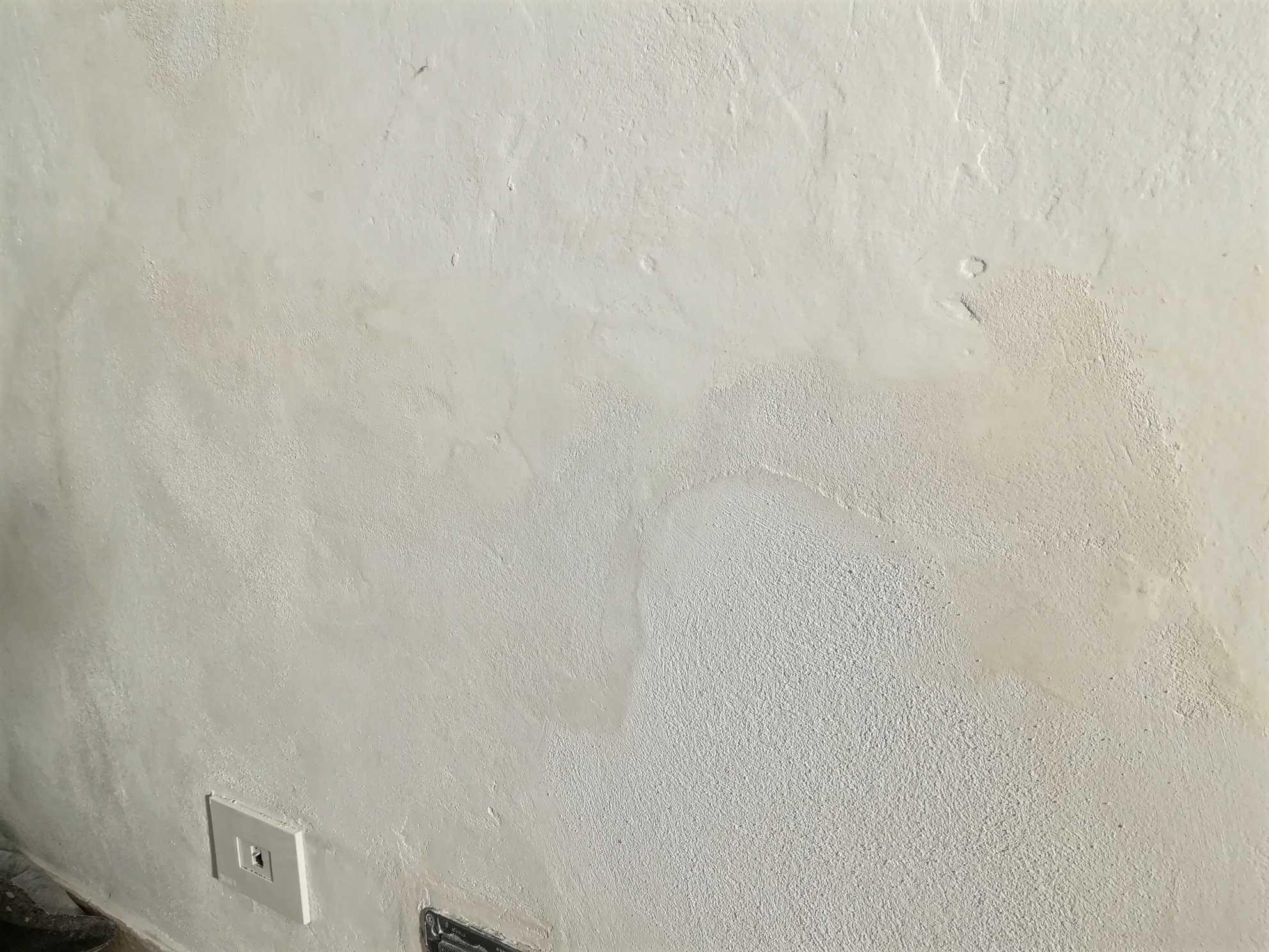 Mascherare Muri Imperfetti Con Le Pitture Decorative La